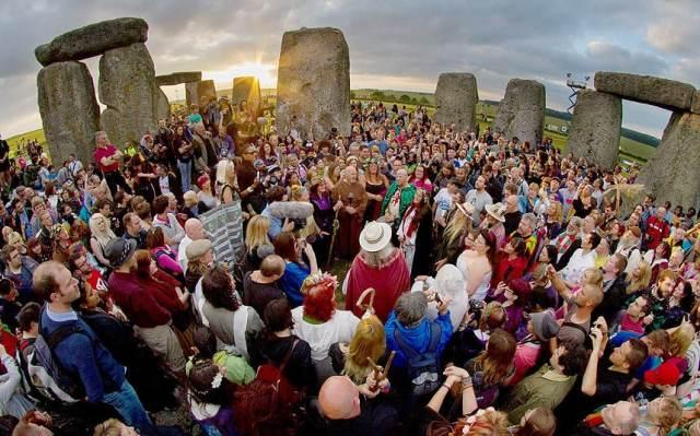stonehenge_1_3222791k